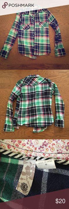 Women's flannel shirt multicolored Women's multicolored flannel shirt size M. Good condition. Tops Button Down Shirts