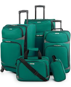 In Dyer need of a travel set! 5 Piece Spinner Luggage Set at Macy's for $97 special on NOW