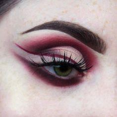 http://www.revelist.com/makeup/invisible-eyeliner/7257/Please?/8/#/8