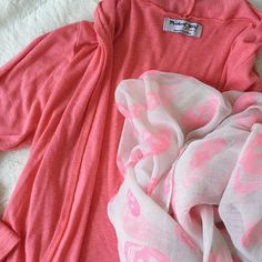 ✨NEW LISTING✨Michael Stars Cardigan Pink, grapefruit-colored Michael Stars Original long sleeve cardigan. One size fits most. Made in USA. Machine wash warm.  Please make all offers through the offer button  ✨10%✨off with bundle!  Fast Shipping Non-Smoking No trades/PayPal Open to fair offers Instagram: laurentopor Tumblr: nearlynewbylo  ✨ Happy Poshing ✨ Michael Stars Sweaters Cardigans