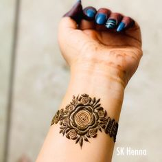 Pretty Krishna Janmashtami Mehndi Designs 2019 You can find different rumors about the history … Modern Henna Designs, Latest Henna Designs, Floral Henna Designs, Back Hand Mehndi Designs, Henna Art Designs, Mehndi Designs For Girls, Mehndi Designs 2018, Finger Henna Designs, Mehndi Designs For Beginners