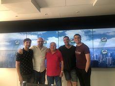 Antoni Bolinches en la radio de Onda Cero junto al presentador y sus colaboradores Life Coaching, Professor, Writers