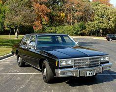 1985 Chevrolet Impala w/police package: 350 4bbl V8-700R4 auto-3.73 posi & F41 suspension