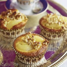 Quince muffins with walnut crust - Quince muffins with walnut crust - Mini Desserts, Ice Cream Desserts, Cupcakes, Muffins Double Chocolat, Easy Nutella Brownies, Sweet Recipes, Cake Recipes, Crockpot Hot Chocolate, Creative Desserts