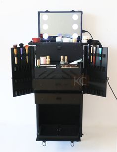Looking To Surprise My Hairstylist Friend With A Portable Mobile Hairstyling Station Please Help