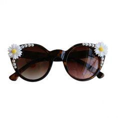 Oversize Daisy & Ivory Pearl Cat Eye Sunglasses