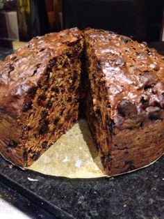 Rich dark fruit cake recipe - All recipes UK Healthy Fruit Cake, Dark Fruit Cake Recipe, Fruit Cakes, Carrot Cakes, Christmas Pudding, Christmas Baking, Christmas Cakes, Xmas Cakes, Baking Recipes