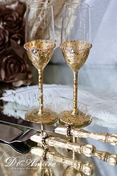 Metallic wedding Gold Gatsby  сhampagne flutes & set for cake/ vintage glam/ Art Deco table setting
