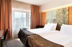 Solo Sokos Hotel Lahden Seurahuone, Lahti, Finland.  Perinteikkäällä Lahden Seurahuoneella on kautta aikojen majoitettu arvovieraita Suomen presidenteistä neuvostojohtajiin ja Ruotsin kuninkaisiin. Tervetuloa palveltavaksi!   At all times, distinguished guests have appreciated the spirit of Seurahuone. We have accomodated Swedish royalty, Soviet Union leaders and presidents of Finland. Now we are happy to serve you at our  Solo-hotel! #hotels #hotelliving #finland #lahti #arvovieras