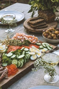 A Midsummer Feast as pretty as this is surely the essence of Hygge? Images from HonestlyYUM by the insanely talented Spotted SF baby's breath flowers on glass Antipasto, Good Food, Yummy Food, Smoked Fish, Snacks, Food Inspiration, Tapas, Food Photography, Food And Drink
