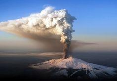 """Unesco, Etna nel patrimonio dell'umanità.L'agenzia Onu ha motivato la scelta con il fatto che il vulcano siciliano è uno dei """"più emblematici e attivi del mondo""""   Flickr"""