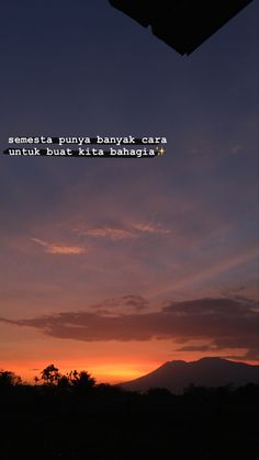 Indie Quotes, Quotes Rindu, Tumblr Quotes, Text Quotes, Short Quotes, Mood Quotes, People Quotes, Motivational Quotes For Life, Happy Quotes