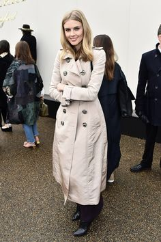 Donna Air Photos - Donna Air wearing Burberry at the Burberry Womenswear February 2016 Show at Kensington Gardens on February 2016 in London, England. - Burberry Womenswear February 2016 Show - Backstage & After Show Air Photo, London Hotels, February 2016, Four Seasons Hotel, Tv Presenters, Backstage, Burberry, Celebrity Style, Women Wear