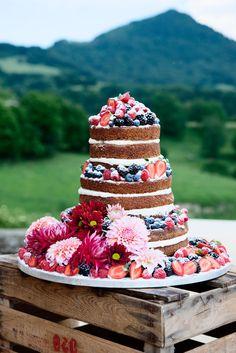 Wedding cake by Platitos de Azucar | photo by Yulia Bulashenko