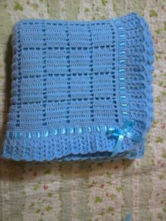 Crochet Baby Blue Blanket With White Edg - Diy Crafts - Marecipe Baby Afghan Crochet, Baby Afghans, Afghan Crochet Patterns, Hand Crochet, Simple Crochet, Pink Baby Blanket, Blue Blanket, Baby Shawl, Diy Crafts Crochet