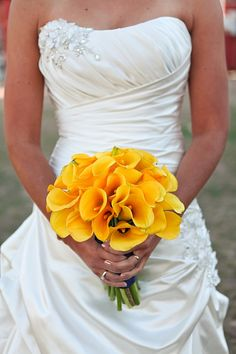 yellow calla lily wedding bouquet