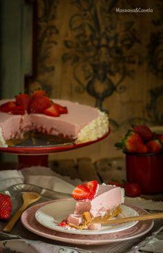 Tarta de nata y fresas. Receta sin horno. #NoBake strawberry pie.