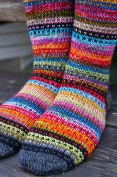 Ravelry: JennyF's Music to my eyes – Knitting Socks Animal Knitting Patterns, Fair Isle Knitting Patterns, Knitting Stitches, Knitting Socks, Hand Knitting, Wool Socks, Sock Yarn, Knitting Projects, Knit Crochet