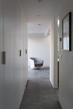 Open Eichler Home Renovation - Design Milk Eichler Haus, Palm Springs, Interior Exterior, Interior Design, Arch Interior, Exterior Remodel, Home By, Wardrobe Closet, Closet Doors