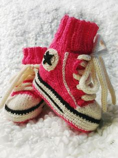 Pinkit babyt Baby Shoes, Converse, Socks, Gift Ideas, Kids, Clothes, Fashion, Young Children, Outfits