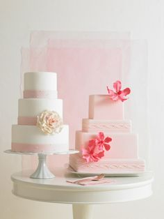 White and pink wedding cakes