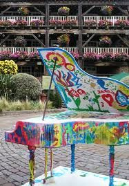 painted piano <3