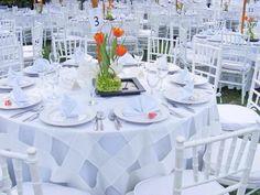 Mantel en blanco para boda de jardín en Monterrey NL