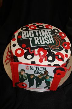 This cake is mine! Birthday in June big 14! Giving my mom ideas:)