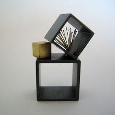 ring - aus geschwärztem Silber und Gold --- goldschmiede susanne elstner: zwischenräume