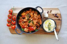 This delicious Thermomix Chicken Cacciatore is a guest post from Thermo-Foodie and The Chef from their book Delicious Dinners. It is LCHF and SO yummy!