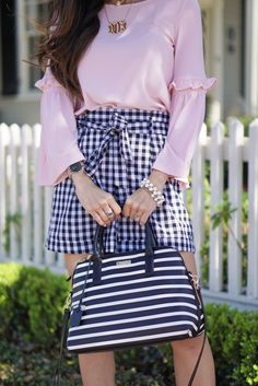 Gingham Shorts – 5 Gingham Pieces You Need for Spring – Outfit Inspiration – Amazing Outfits Preppy Summer Outfits, Spring Outfits, Cute Outfits, Stylish Outfits, Girly Outfits, Amazing Outfits, Gingham Shorts, Gingham Dress, Look Rose