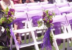 wedding decoration idea lilac grey idée originale déco chaise église cérémonie laique organza fleur mariage violet parme argent