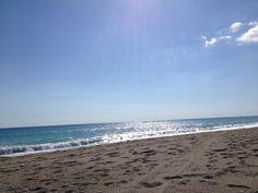 Buon lunedì a tutti! Questo è il #mare in #Calabria ad ottobre, l'estate continua!