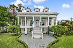 1866 Center Hall Villa In New Orleans Louisiana