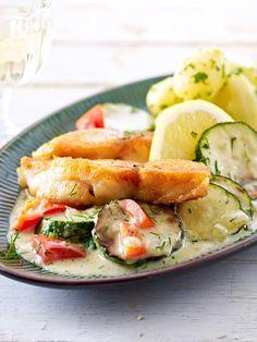 Bratfisch mit Zucchini und Paprika - so geht's