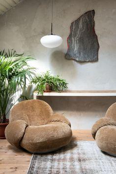 Vintage Interior Design, Top Interior Designers, Design Bestseller, Orange Walls, Soft Seating, Textured Walls, Hygge, Interior Inspiration, Furniture Inspiration