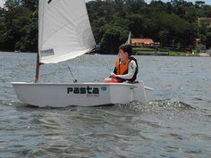 Optimist sailing kiddo! he named the boat Pastasciutta - PASTA #optimistsailing #optimistdinghy