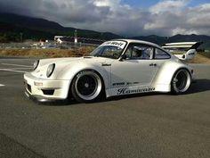 Porsche 911 RWB - https://www.luxury.guugles.com/porsche-911-rwb-2/