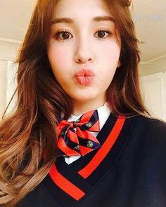 dahyun nayeon tzuyu jihyo chaeyoung son hermanas que poseen bastante … # Fanfic # amreading # books # wattpad Kpop Girl Groups, Korean Girl Groups, Kpop Girls, Jeon Somi, Nayeon, Jung Chaeyeon, Kim Doyeon, Wattpad, Drama Korea
