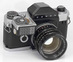 Canon Canonflex R2000 Camera (S/N 59xxx) -- 1960-1962 -- Eye-level finder -- Canon-METER -- SUPER-CANOMATIC LENS R 58mm 1:1.2