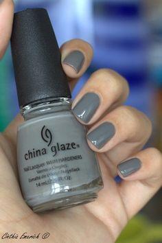 China Glaze - Recycle (photo by Cinthia Emerich)