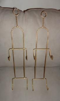 Set of 2 gold plate holder display racks For this and more visit me at www.dandeepop.com