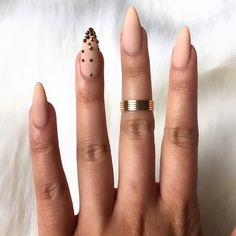 Obsessed with these nails by @riyathai87  #arabiiandoll #arabiiandollarmy