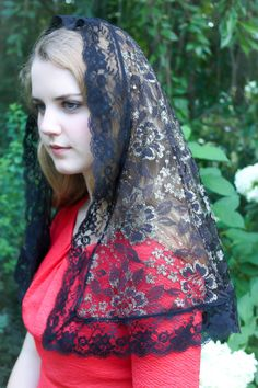Evintage Veils~ Black and Gold Floral Lace Vintage Inspired Mantilla Chapel Veil…