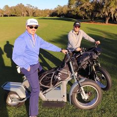 Finn Cycles are single rider electric golf carts that are sporty, invigorating and encourage ready golf. Get your Personal Golf Machine now! Golf Push Cart, Golf Carts, Golf Basics, Electric Golf Cart, Golf Accessories, Golf Fashion, Play Golf, Ladies Golf, Cruise