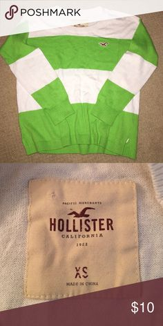 Hollister Lime Green Striped Sweater (XS) This sweater has 3/4 sleeves and is sized at XS. It's loose fitting towards the bottom making it great for jeans or leggings! Hollister Sweaters Crew & Scoop Necks