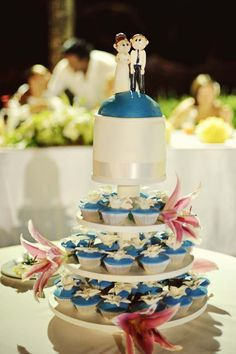 Cup Cake Tower Blue & White