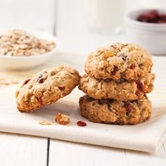 Tasty and healthy cookies – Caty's recipes – Recipes Cookie Recipes, Snack Recipes, Snacks, Desserts With Biscuits, Yummy Food, Tasty, Easy Food To Make, Healthy Cookies, Vegan Treats
