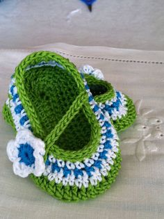 Baby Girl Mary Janes Booties  and Headband by ThePatternParadise, $4.99