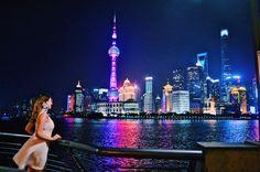 Shanghai certainly swept me away ��������❤️ . . . . . #shanghai #skyline #view #night #neonlights #tvtower #shanghaiatnight #china #asia #mainlandchina #river #adventure #neverstopexploring #explore #wanderlust #loveshanghai #lovethiscity #sweptaway #titanic #travel #travelbug #likashing #tourist http://tipsrazzi.com/ipost/1519437198246560316/?code=BUWIBTcAEI8